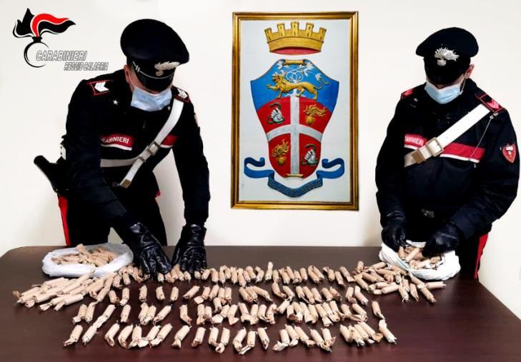 Polistena. Trasportavano in auto oltre 3,6 chili di fuochi pirotecnici artigianali, due giovani  denunciati