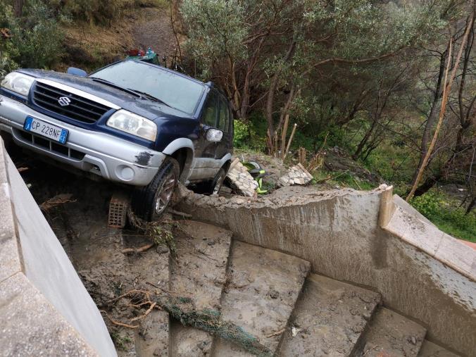 images Oggi il bollettino è anche per il maltempo: da Cosenza a Catanzaro la mappa dei danni (FOTO E VIDEO)