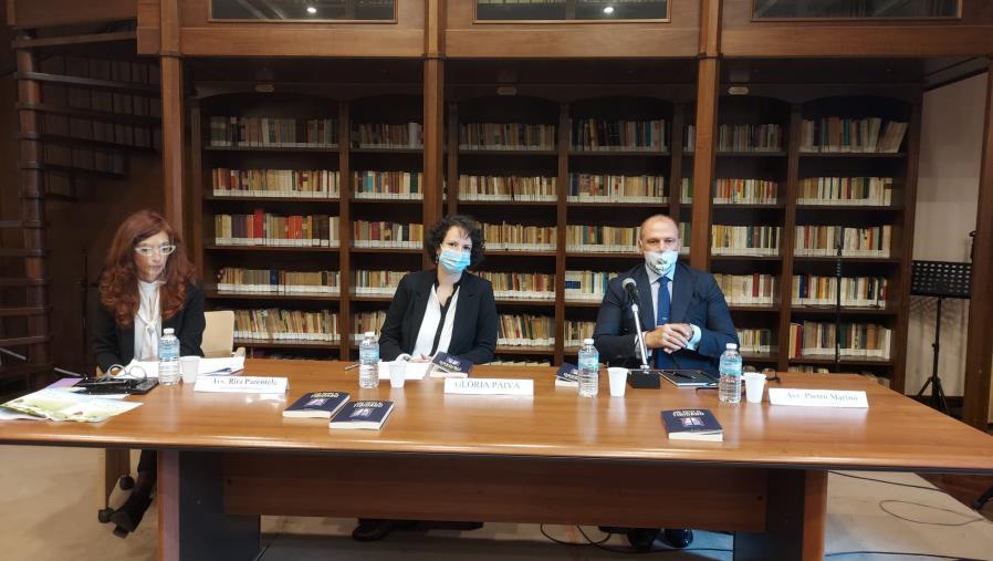 """images """"Con vistas al Tibidabo"""", il libro di Glória Paiva presentato alla Biblioteca comunale De Nobili di Catanzaro"""