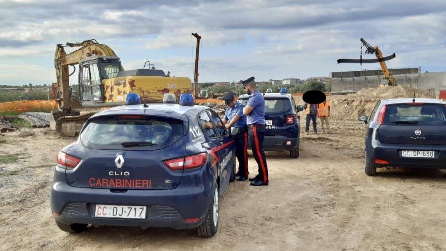 Sellia Marina. Controllo dei Carabinieri dell'Ispettorato del lavoro su un cantiere edile: contestate sanzioni per diverse migliaia di euro