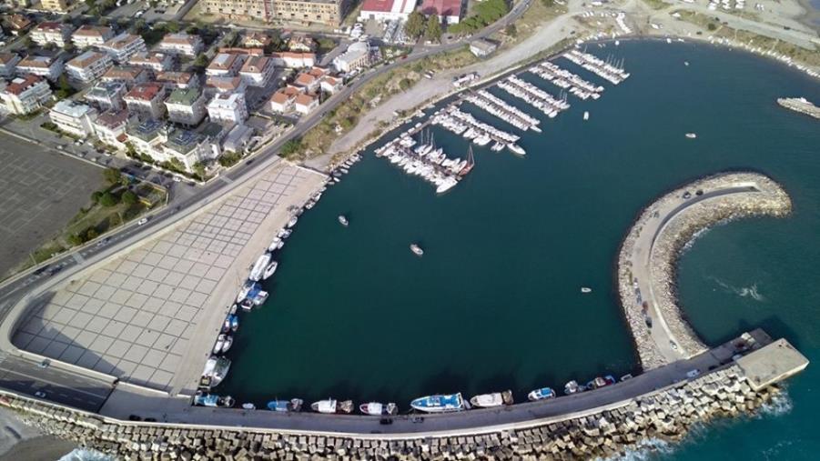 """Porto di Catanzaro. Riccio: """"Richiesto a 300 diportisti di rimuovere le barche entro fine mese. Questo è turismo?"""""""