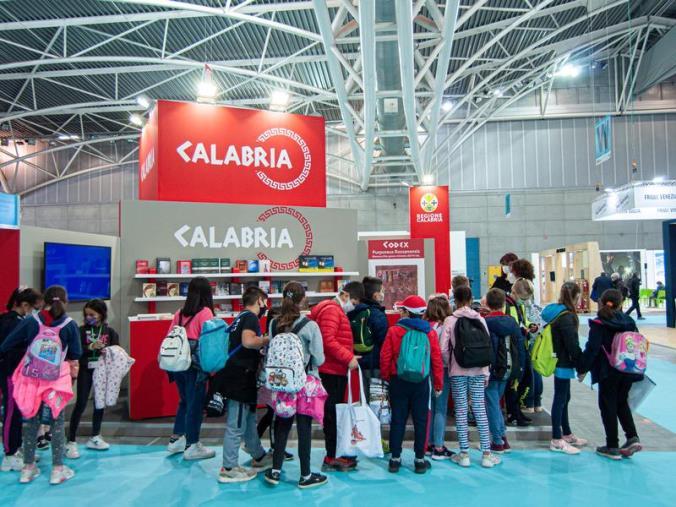 Salone del Libro di Torino: Tutti gli eventi di oggi allo stand della Regione Calabria