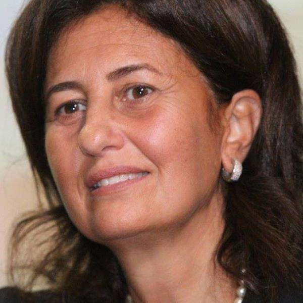 Catanzaro, plauso del gruppo 'Catanzaro da vivere' a Stefania Zampogna prima donna presidente della Simeup