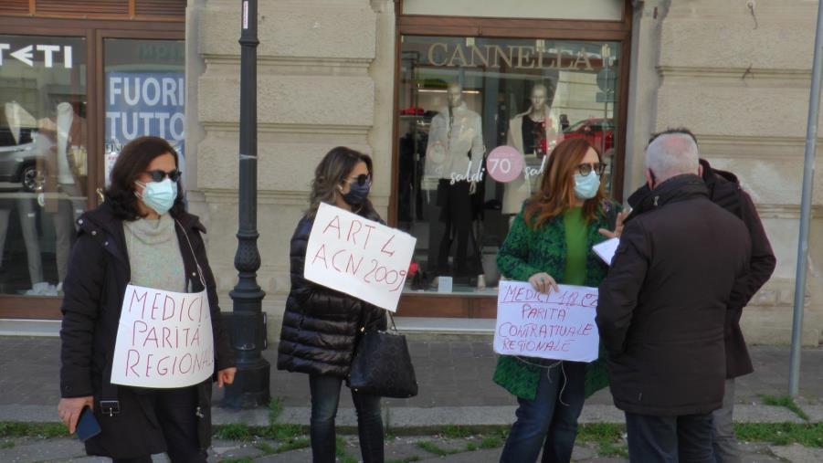 Sanità. L'Asp Catanzaro toglie indennità: protesta dei medici 118