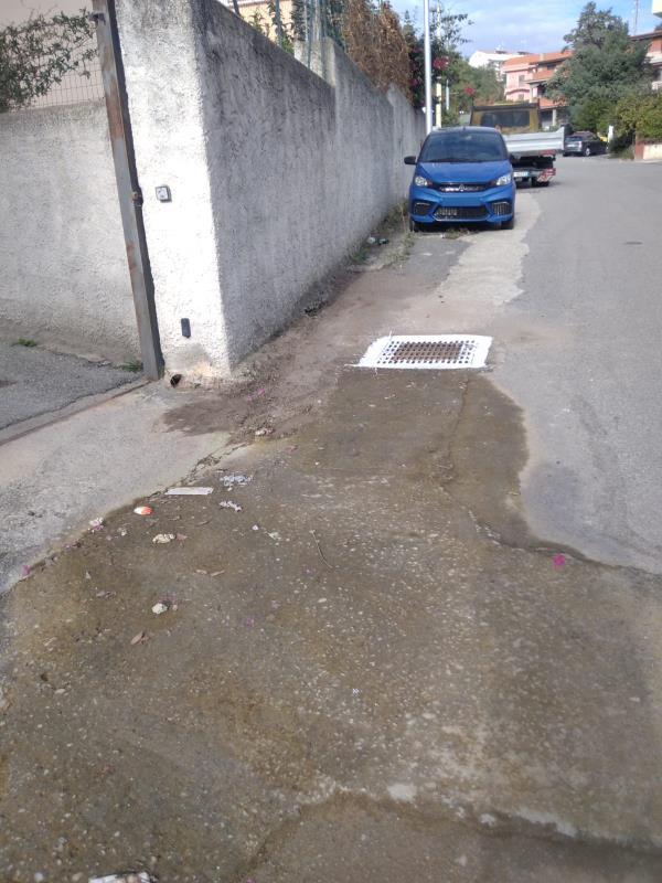 Catanzaro, canaloni e caditoie: operazioni di pulizia in corso a santa Maria, Sala e area sud