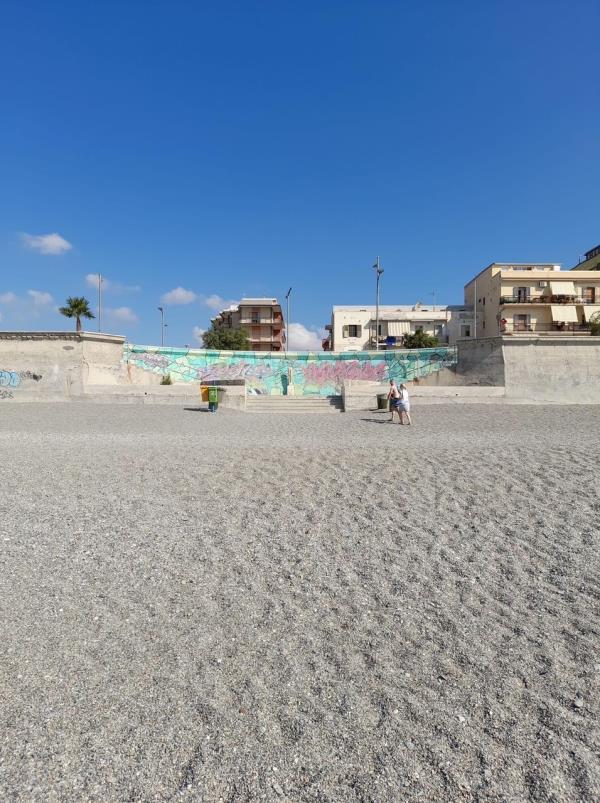 """La denuncia di Stefano Veraldi: """"Nel quartiere marinaro manca l'accesso alla spiaggia, torna il calvario"""""""