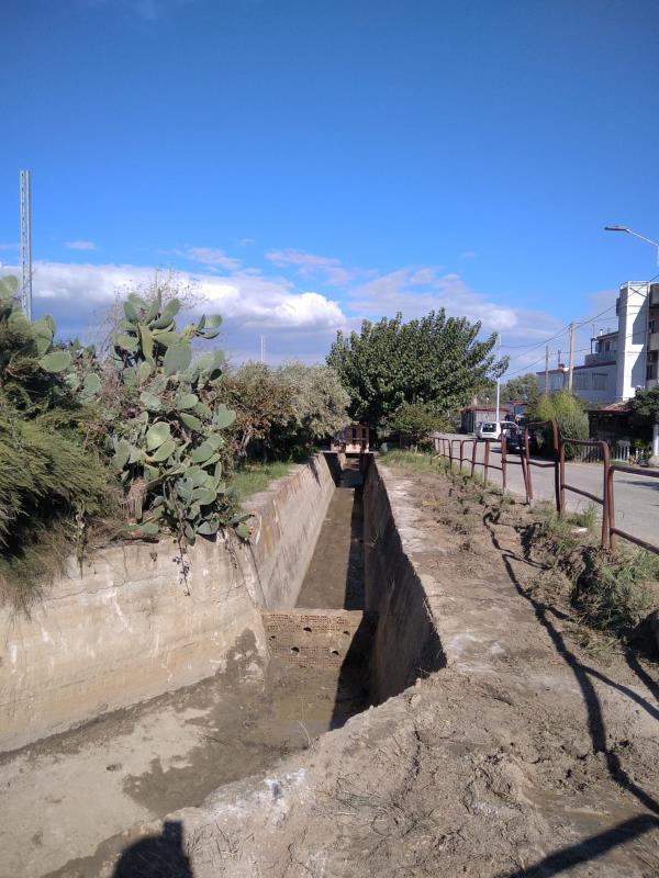 Catanzaro, canaloni e caditoie: proseguono gli interventi di bonifica, rimosso ingente quantitativo di rifiuti nel canale di via Vigliarolo, a Giovino